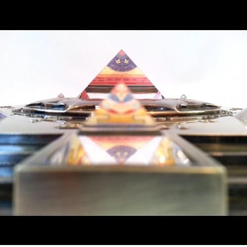 Vasati Pyramid Glass